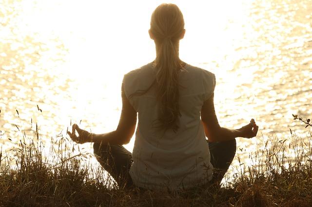 meditate-1851165_640