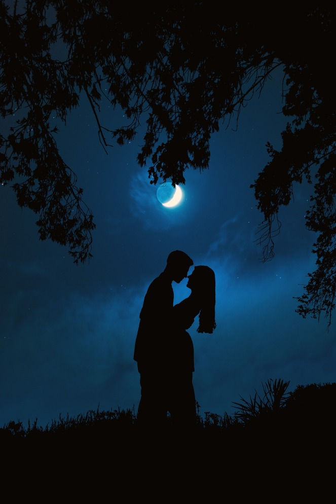 Full blue moon on Halloween. On 10/31/2020, there will be a very rare full blue moon. The last one was 76 years ago. It will bring intense energy with transformations. Embrace opportunities for divine counterparts, this includes Soulmate, Twin flames in all spiritual connections. This moon is very intense and will have a very big impact on all love relationships. This powerful full moon targets Soulmates and Twin flames. It's best to be grounded during this full blue hunter moon. The energies will be heightened and amplified. No matter what you're going through, it will automatically stir up energies with emotions. As with all full moons, it will be in the sign of Taurus which represents love and marriage. Combination of mercury retrograde. It can create crosswords, misunderstandings, and disagreements with lovers and loved ones. Full moons are very powerful when it comes to love. Being aware of a full moon along with mercury retrograde is important. The key is to have a direct positive intention with love. As it's coming to an end and starting over, the full moon in Taurus represents opportunities and emotional growth for love. This can intensify emotions for Soulmates, Twin flames, and all spiritual connections. Just being aware not to put too much emotional energy that can overwhelm you. This is also a very spiritual time for many, being that it is on Halloween night. This is an excellent time to develop your spiritual abilities. Charging your crystals, getting Crystal and Reiki healing, along with giving or getting a psychic reading. The full moon can bring intensity with feelings and many times anxiety if there is separation. Feelings are reciprocated with others who are empathic and extremely sensitive. Twin flames can feel their partner during this time, much stronger than other times. This is the main reason why there are many different types of full moon rituals and meditations. This is an excellent time for meditation with telepathically communicating with
